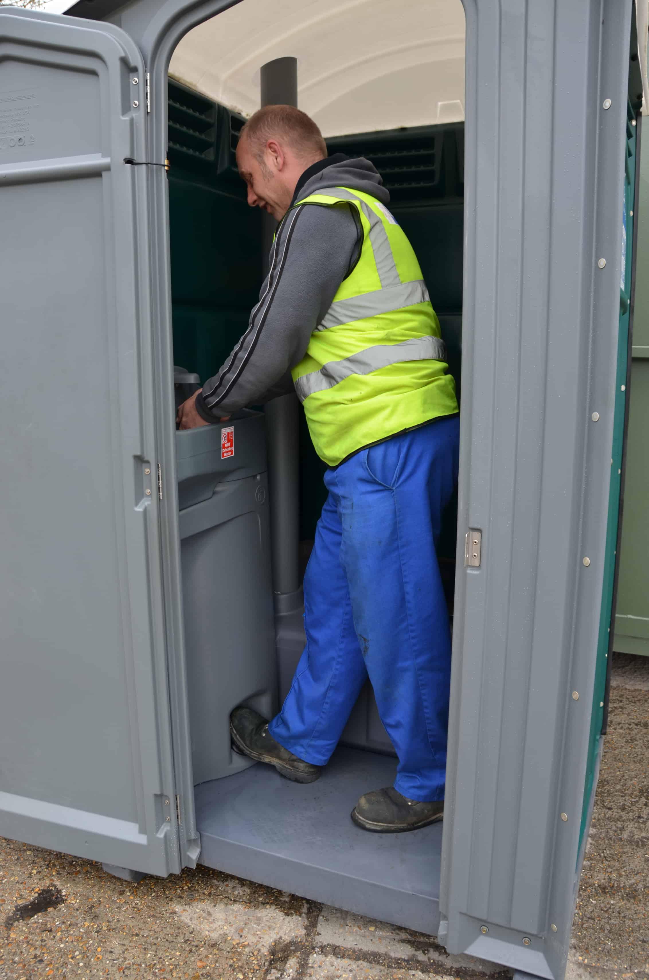Construction site toilet hire
